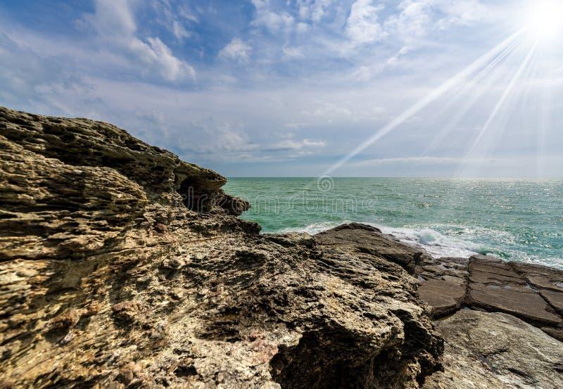 Acantilados en el golfo del La Spezia - Punta Bianca Italy imágenes de archivo libres de regalías