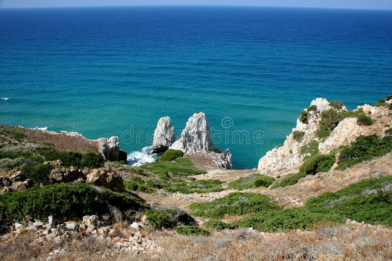 Download Acantilados Que Pasan Por Alto El Mar Imagen de archivo - Imagen de musgo, costa: 7285055