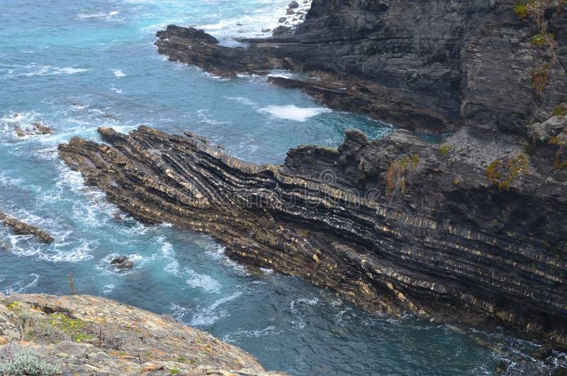 Acantilados y playas en Costa Vicentina Natural Park, Portugal al sudoeste imagen de archivo libre de regalías