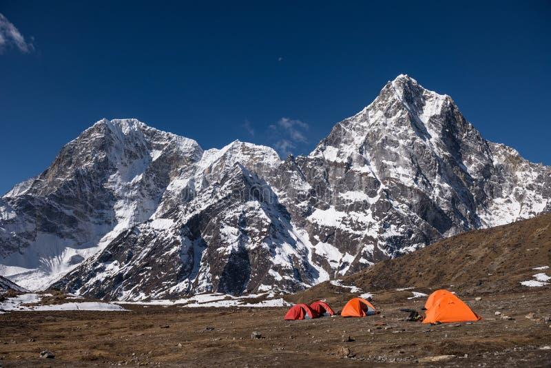 Accampamento basso Himalayan fotografie stock