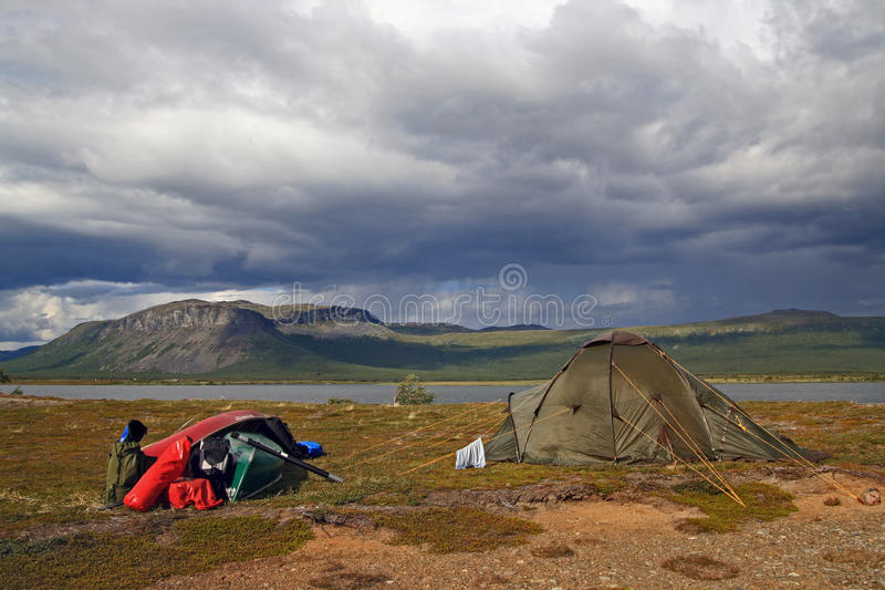 Accampamento della tenda fotografie stock