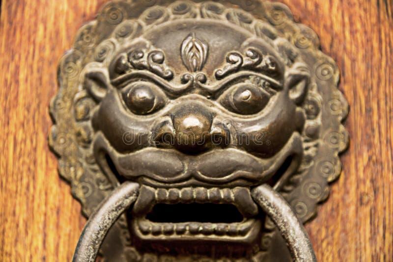 Accent de porte de dragon de lion photos libres de droits