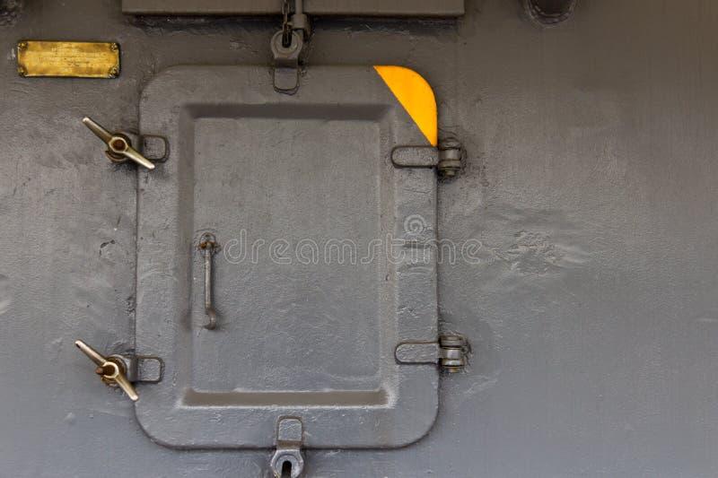 Acceso de la portilla en un barco de la Armada militar foto de archivo libre de regalías