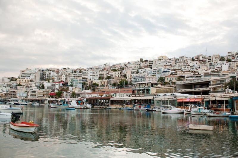 Acceso de Mikrolimano en Pireo, Atenas, Grecia fotografía de archivo libre de regalías
