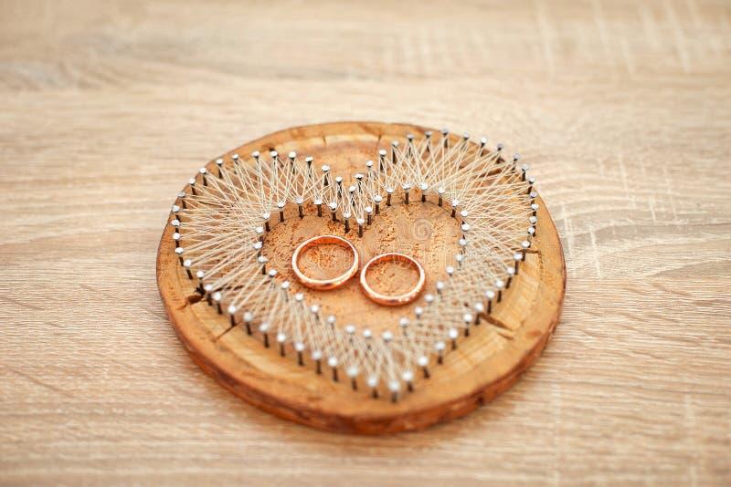 Accesorios de la boda Almohada o amortiguador elegante para los anillos Ceremonia de boda foto de archivo libre de regalías