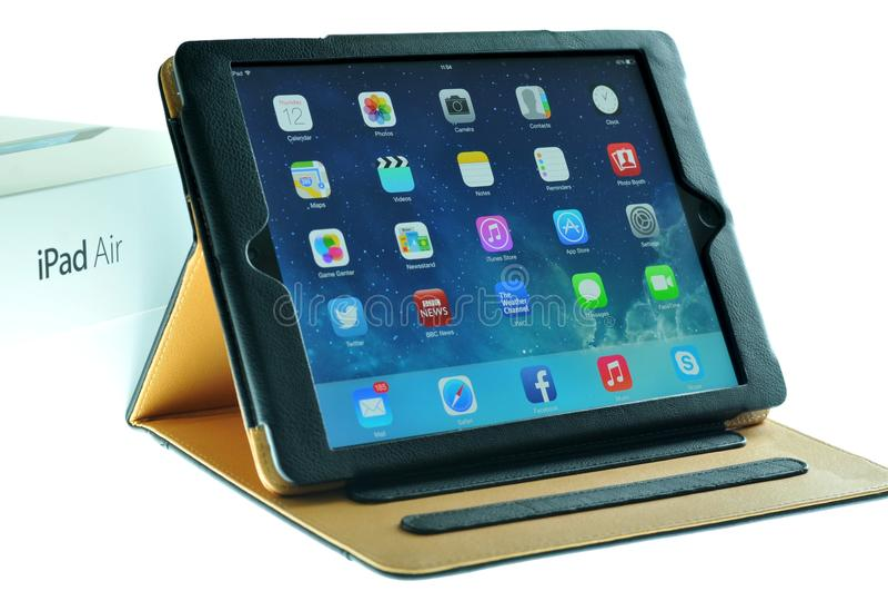 accesorios del iPad - caso de cuero foto de archivo