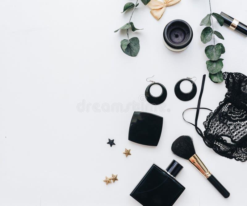 Accesorios femeninos negros Endecha plana fotos de archivo