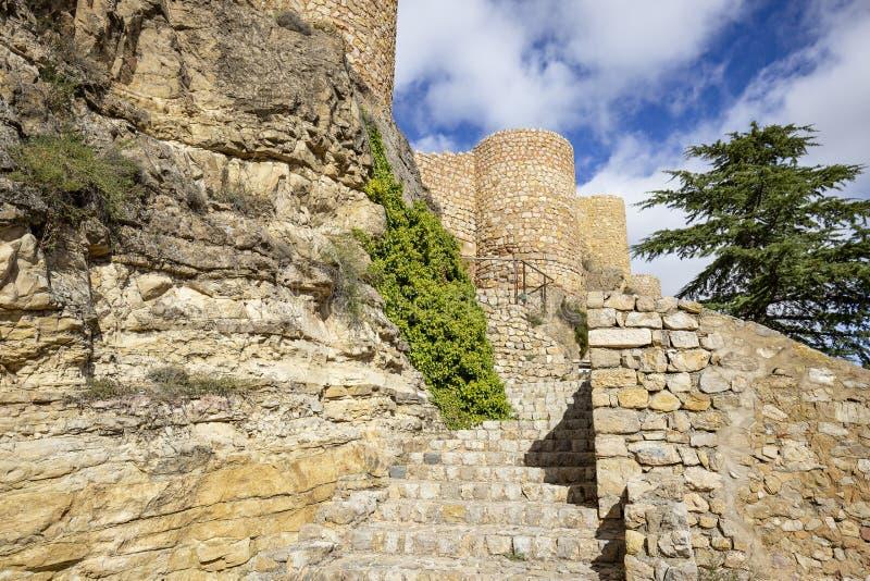 Access al castello medievale nella città di Albarracin immagini stock libere da diritti