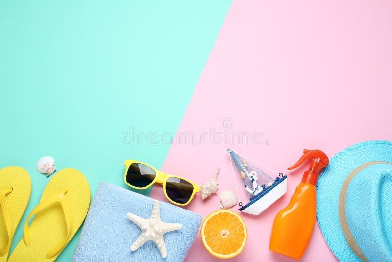 Accessoires avec le bateau décoratif et le fruit orange photos libres de droits