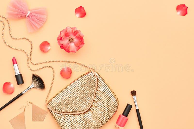 Accessoires cosmétiques de maquillage de mode bases images libres de droits