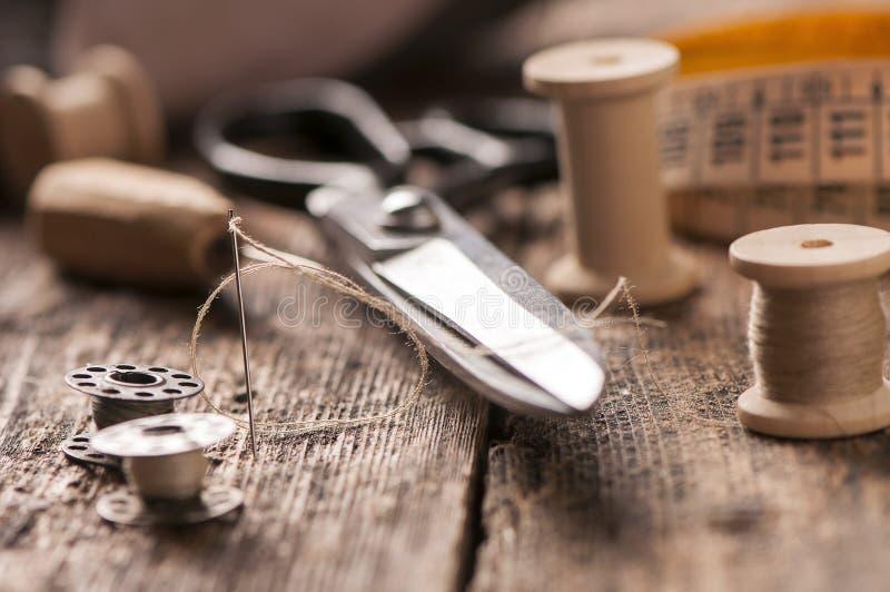 Download Accessoires de couture photo stock. Image du plastique - 76090464