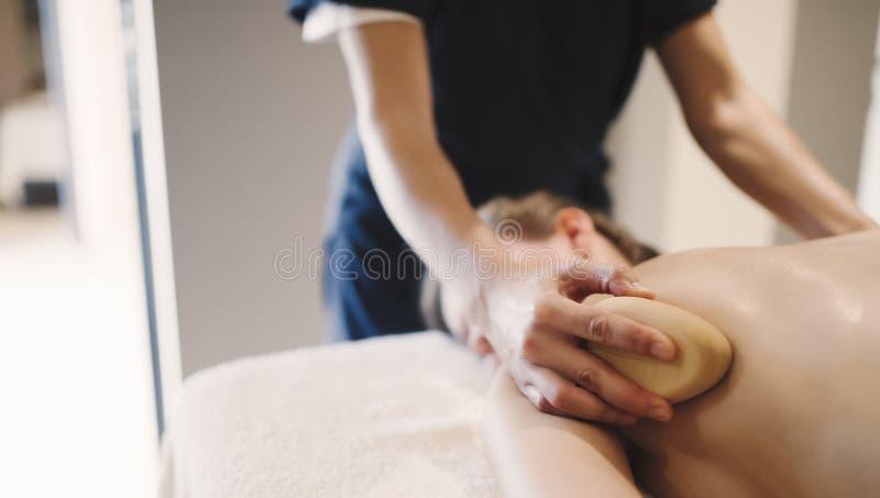 Accessoires en bois de massage pour le traitement spécial image libre de droits