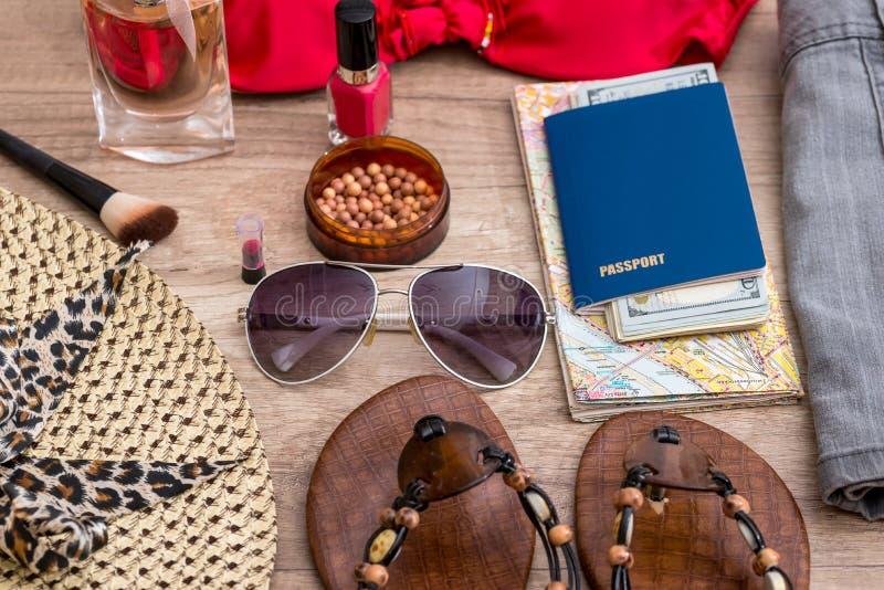 Accessoires pendant des vacances de plage photographie stock libre de droits