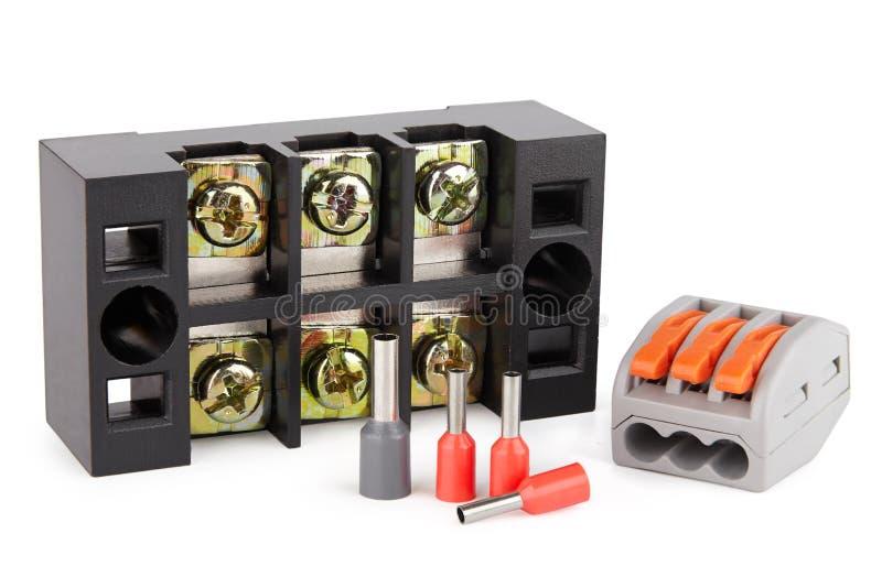Accessoires pour la construction du réseau électrique, ligne courante elektmeny se reliante, conducteur de terminaux image libre de droits