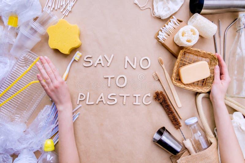 Accessoires réutilisables recyclables de bain contre le plastique Concept de rebut z?ro photographie stock libre de droits