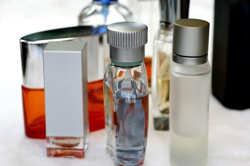 Accessori del Mens di fragranze fotografia stock libera da diritti