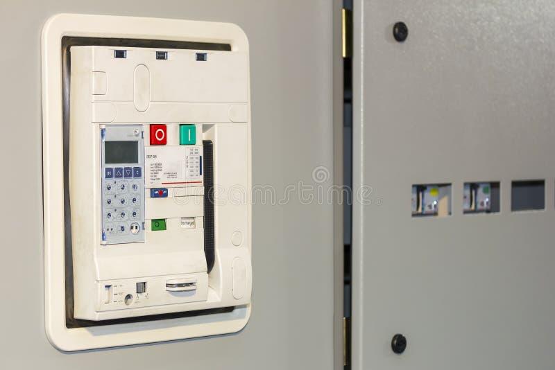 Accessori dell'interruttore dell'aria del materiale elettrico per proteggere e controllare energia elettrica al gabinetto del mdb fotografia stock libera da diritti