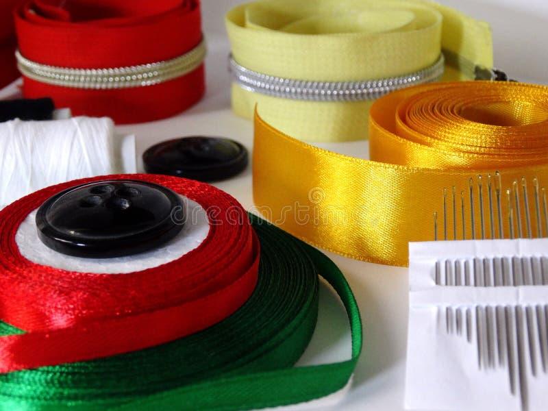 Accessori di cucito per cucito fotografia stock libera da diritti