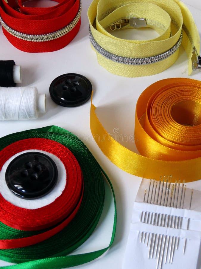 Accessori di cucito per cucito immagini stock libere da diritti