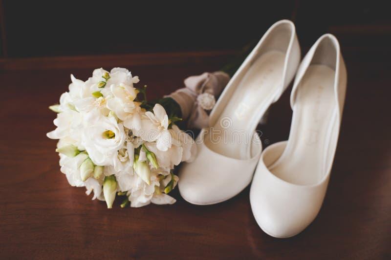 Accessori di nozze del ` s della sposa fotografia stock