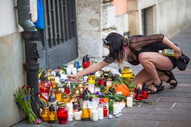 Acción cerca del consulado americano en memoria de las víctimas de la masacre en pulso gay popular del club en Orlando foto de archivo