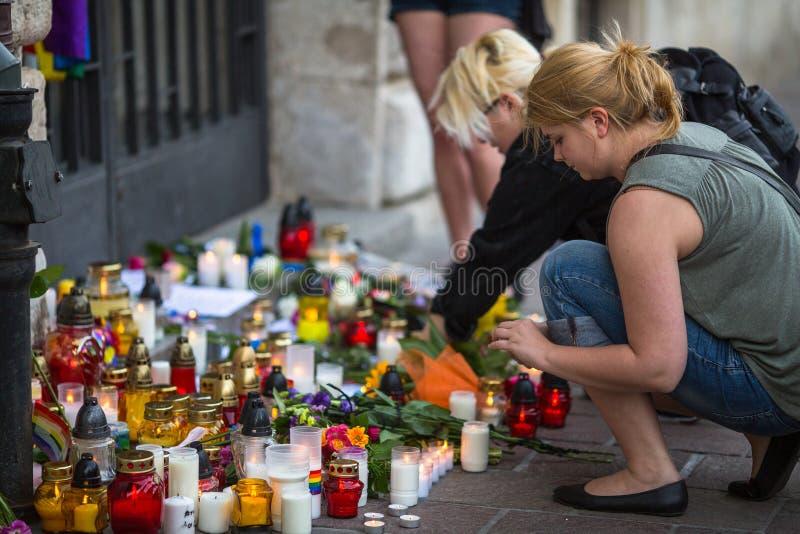 Acción cerca del consulado americano en memoria de las víctimas de la masacre en pulso gay popular del club en Orlando imagen de archivo libre de regalías