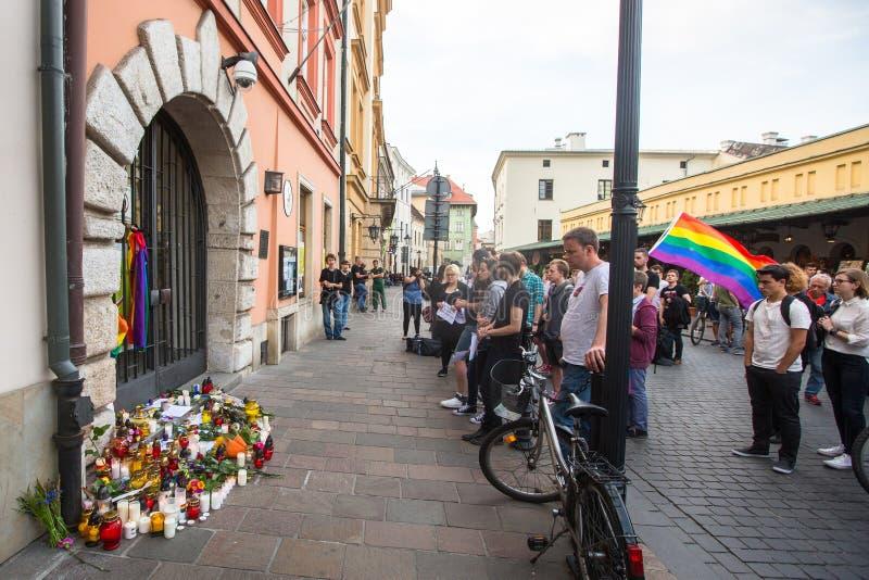 Acción cerca del consulado americano en memoria de las víctimas de la masacre en pulso gay popular del club en Orlando fotografía de archivo libre de regalías