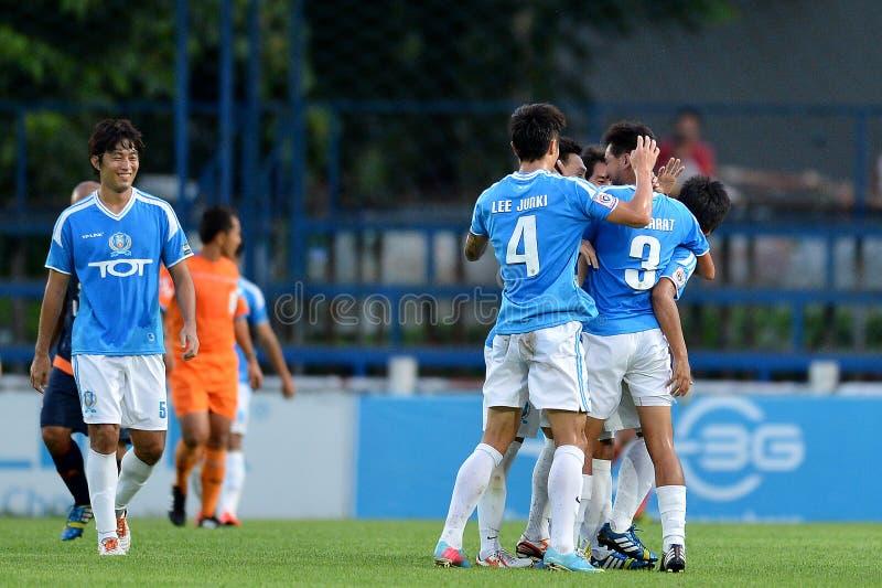 Acción en liga primera tailandesa