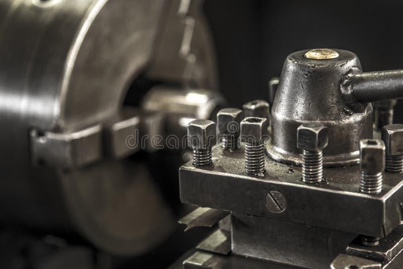 Acciaio per utensili del lavoro della macchina del tornio di industria fotografie stock