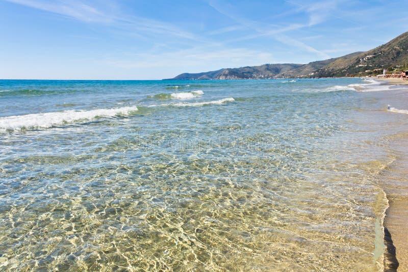 Acciaroli水晶海在萨莱诺 库存照片