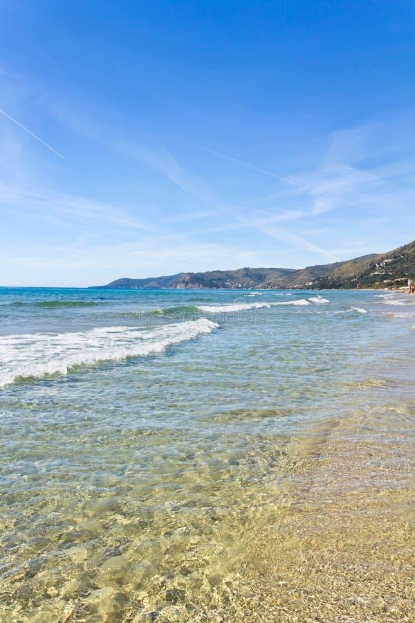Acciaroli水晶海在萨莱诺 库存图片