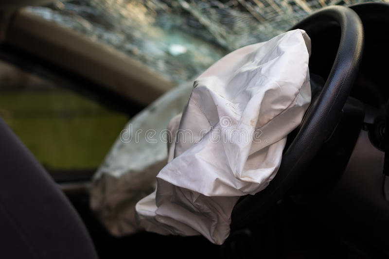 Accident d'airbag avec le verre cassé photos libres de droits