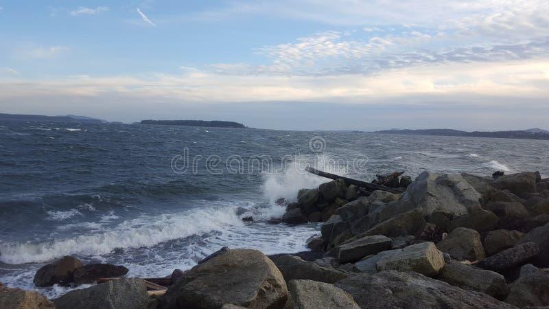 Accident de vague de côte ouest photographie stock libre de droits