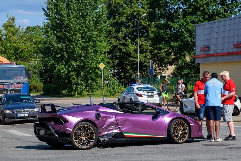 Accident de voiture de Lamborghini à Riga photo libre de droits