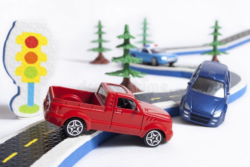 Accidente de dos coches en el camino foto de archivo