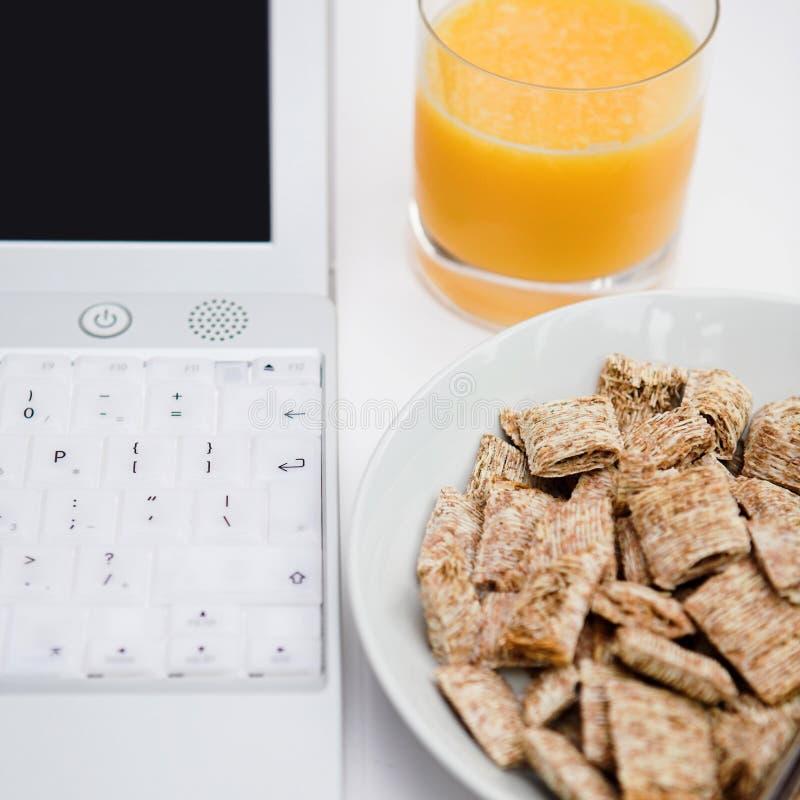 Accione el desayuno foto de archivo