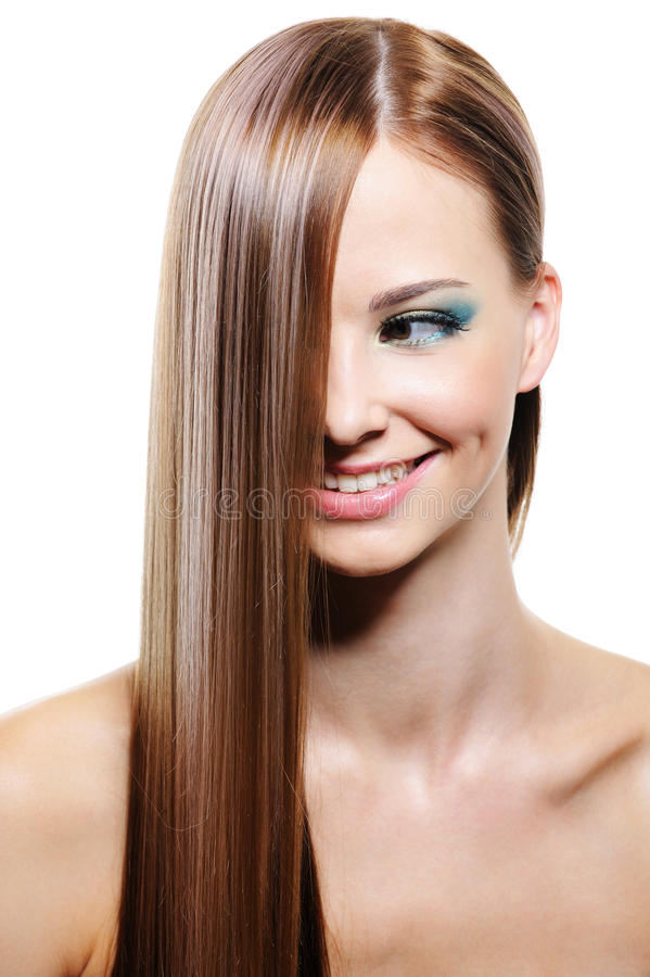 Acconciatura creativa con capelli femminili lunghi lisci immagini stock libere da diritti