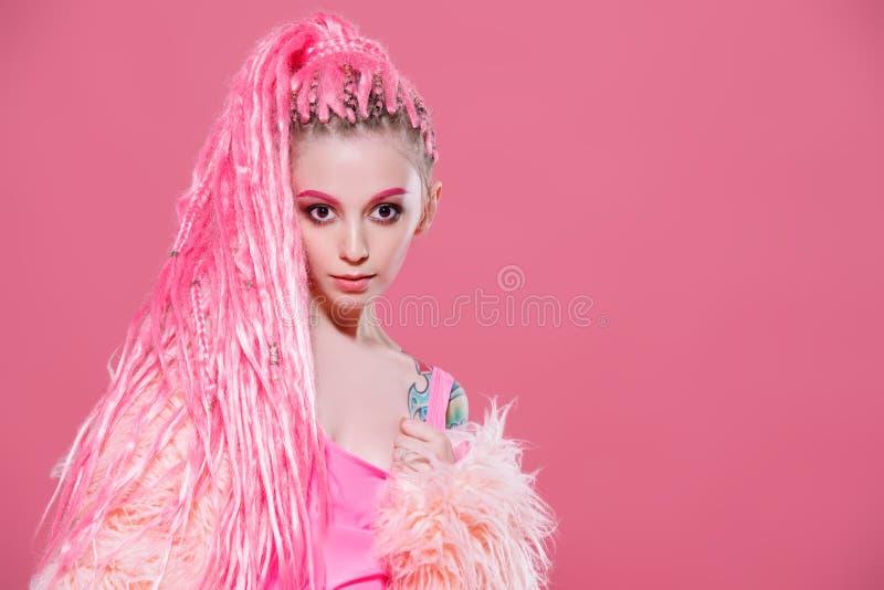 Acconciatura dai dreadlocks rosa fotografia stock libera da diritti