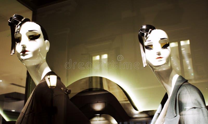 Accoppiamenti dei mannequins femminili fotografie stock