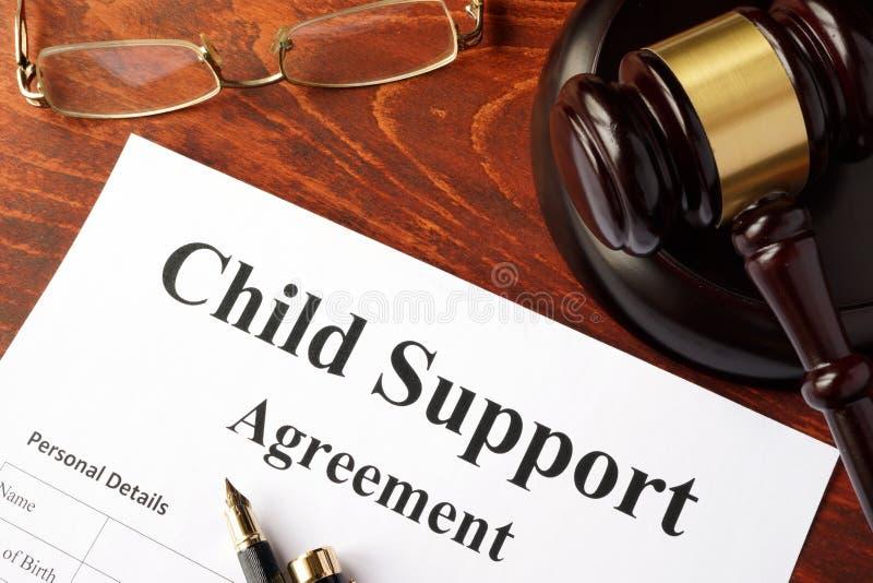 Accordo dell'assegno familiare per i figli fotografia stock
