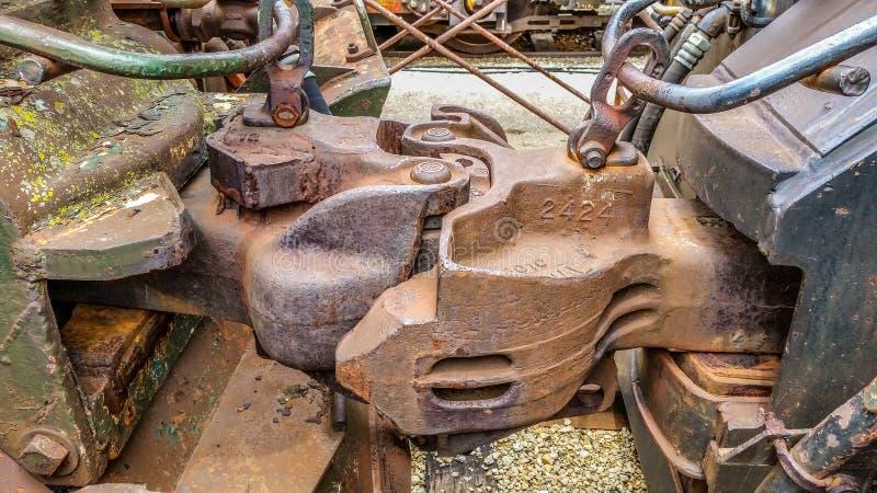 Accouplements de train verrouillés ensemble photo stock