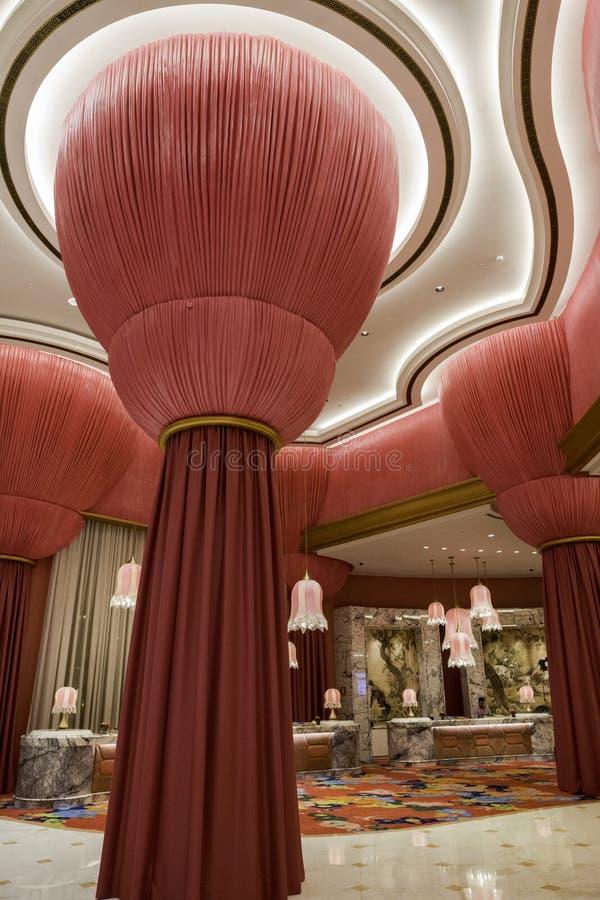 Accrocher drape, décoration intérieure et oppulence - Okada Manille image stock