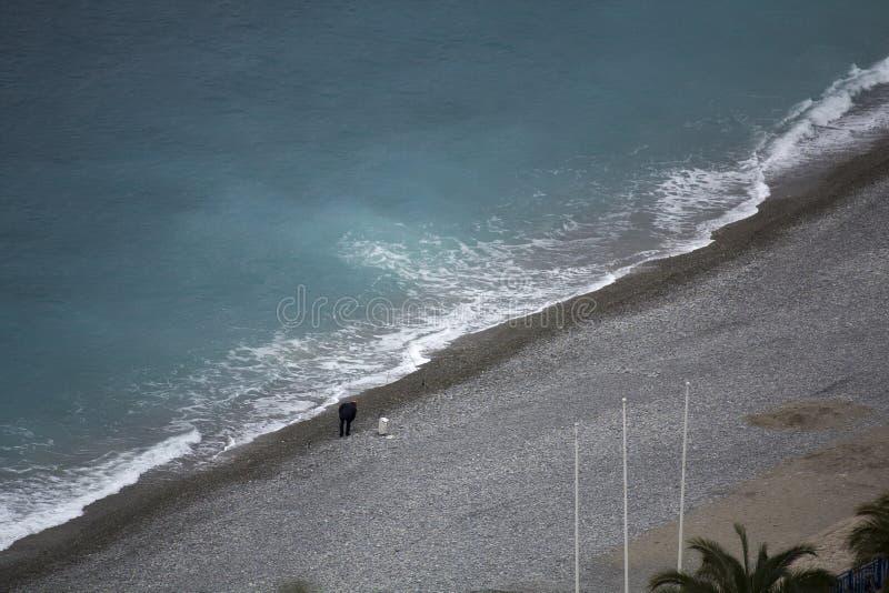 Accueil à la plage de Nice, Frances image stock