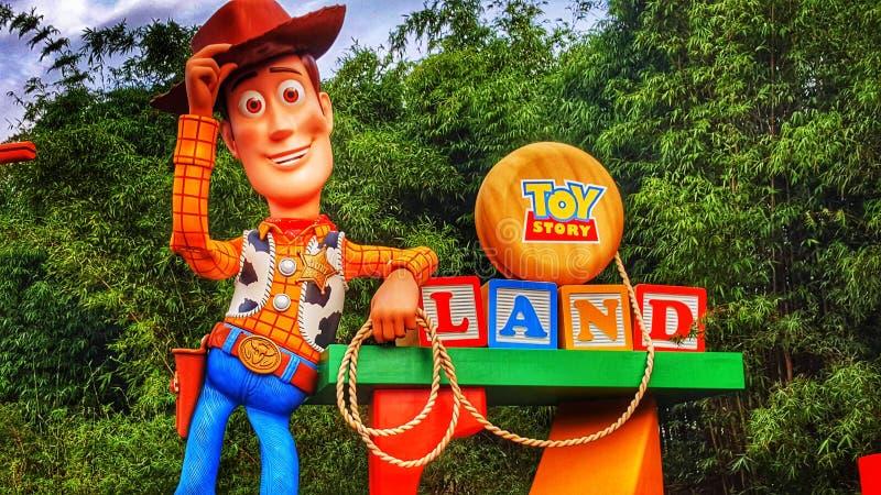 Accueil à Toy Story Land aux studios du ` s Hollywood de Disney images libres de droits