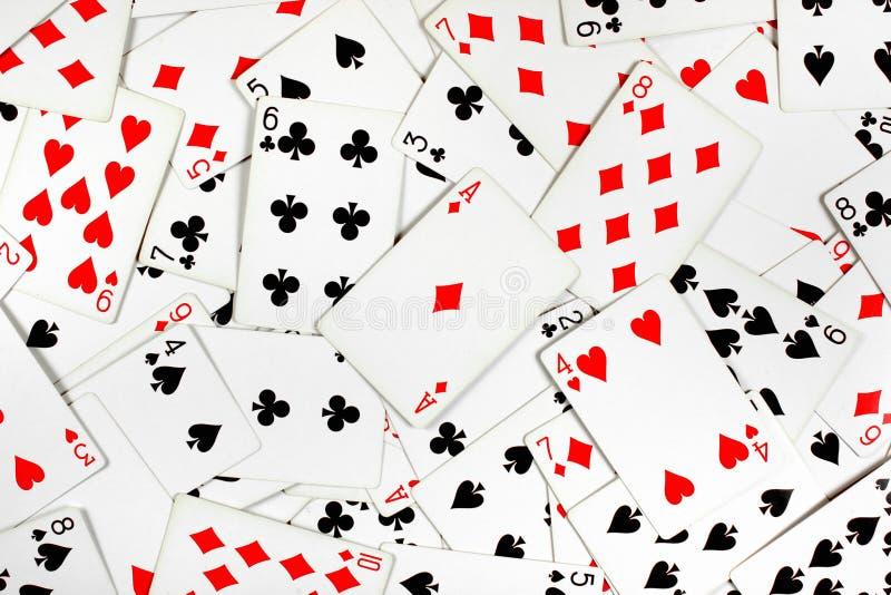Ace dei diamanti sopra le carte da gioco rosse e nere fotografie stock