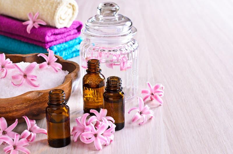 Aceite aromático para el balneario imagen de archivo libre de regalías