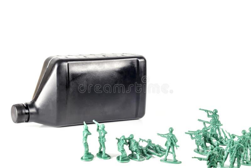 Aceite de los hombres del ejército imagen de archivo libre de regalías