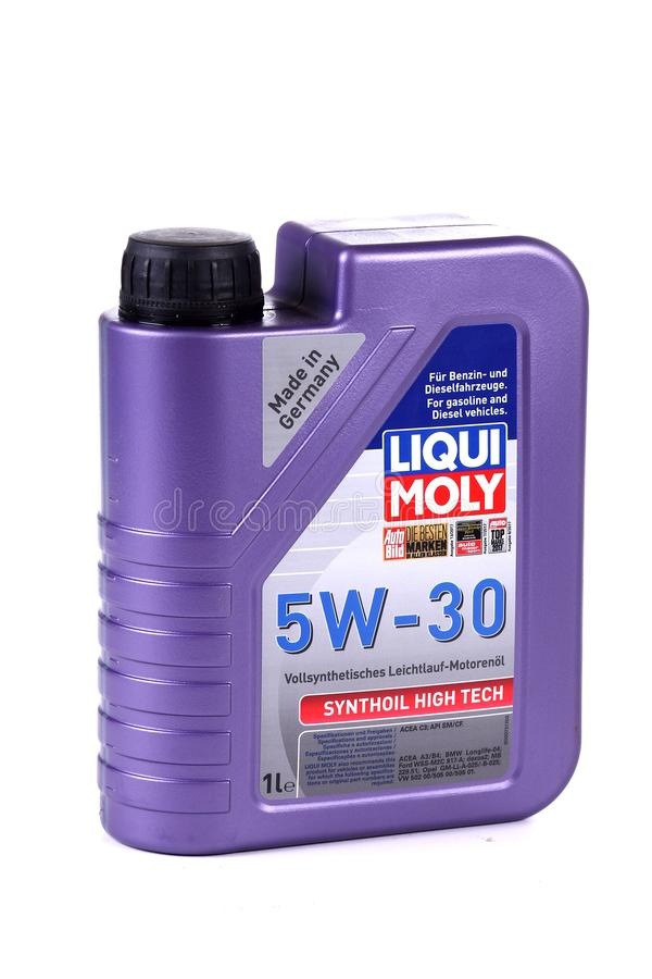 Aceite de motor Liqui Moly 5W-30 Synthoil de alta tecnología imagenes de archivo