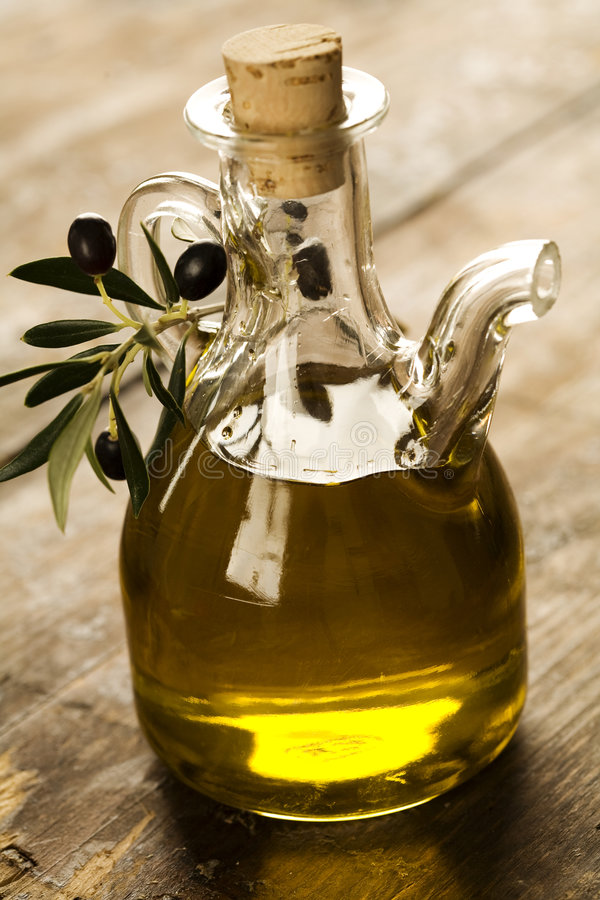 Aceite de oliva imagenes de archivo