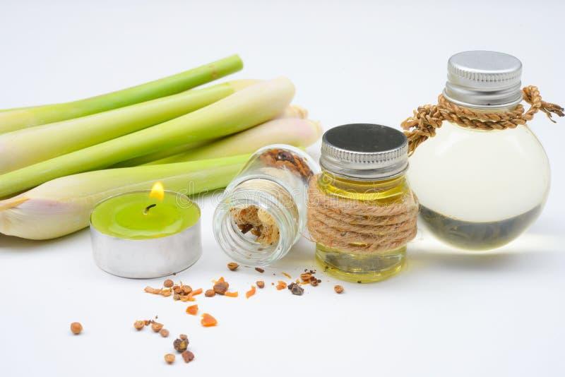 Aceite esencial del Cymbopogon con Aromatherapy fotografía de archivo libre de regalías